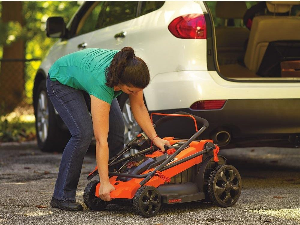 Black & Decker MM2000 electric corded lawn mower review
